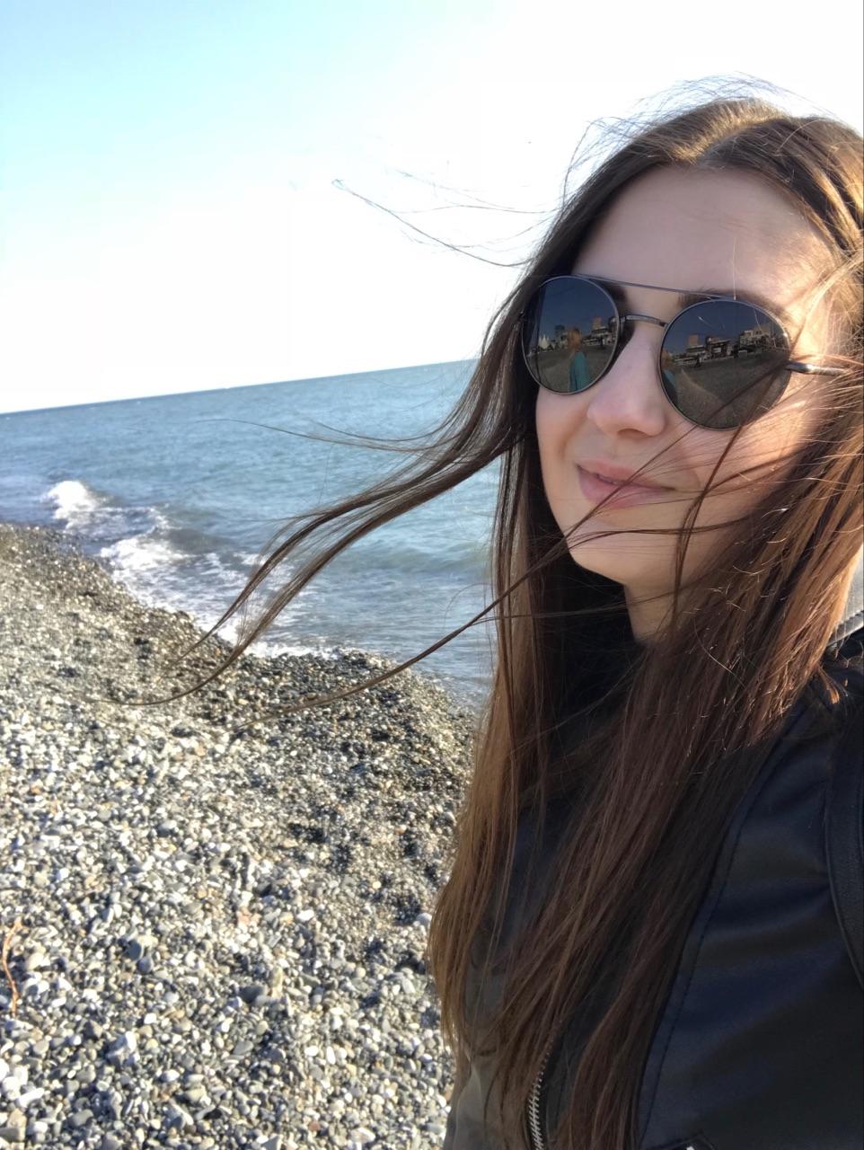 Фотография: Татьяна Круг на фоне моря